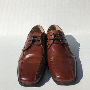 Florsheim Kids  brown  dress shoes